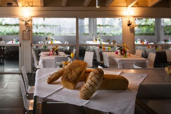Ristorante VILLA REALE, Monza: carne cotta sul barbecue a vista e pizze in un locale moderno - Restaurant Pizzeria Monza center Villa Reale